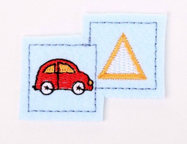 Naszywka błękitna z autem i znakiem K-W40-972B-183