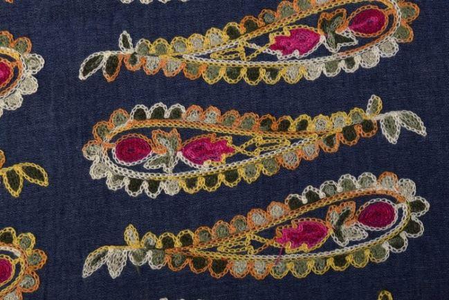 Dżins koszulowy z haftowanym wzorem 03505/035