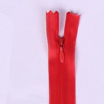 Zamek kryty czerwony 25cm I-3W0-25-162