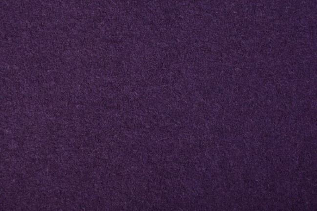 Wełna gotowana w kolorze ciemnofioletowym 04578/144